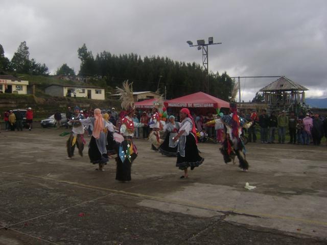 GRUPO_CULTURAL_KAWSAYMANTA_DE_GARCIA_MORENO_EN_FESTIVIDADES_PARROQUIALES